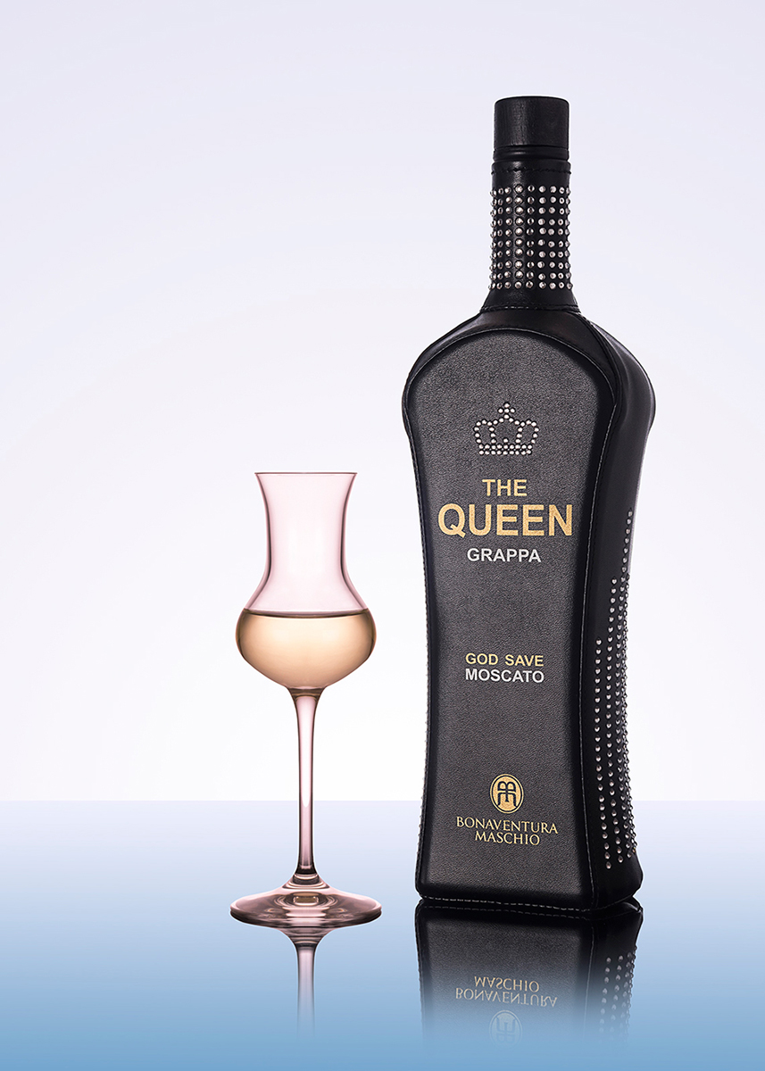 Still Life bottiglia The Queen Grappa
