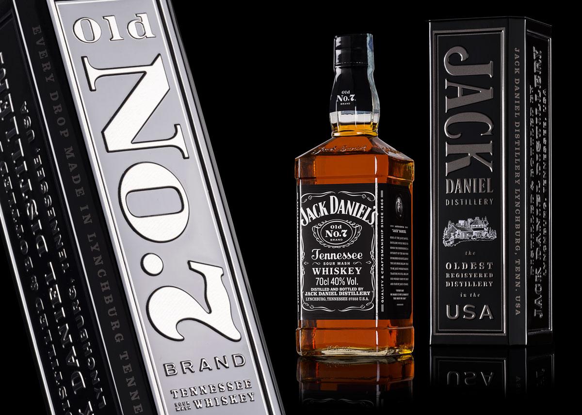 Fotografia Still Life Bottiglia Jack Daniels con confezione