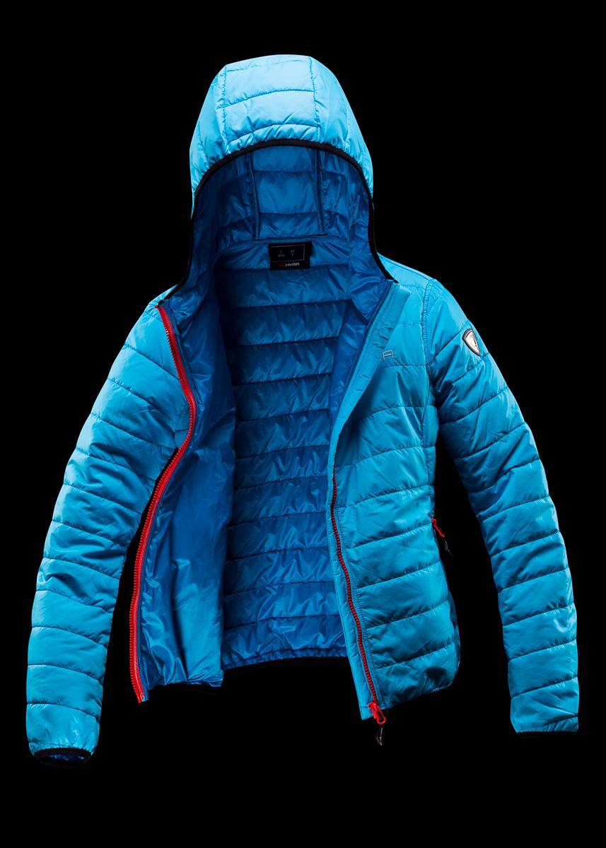 Foto Pubblicitaria giacca da sci su fondo nero